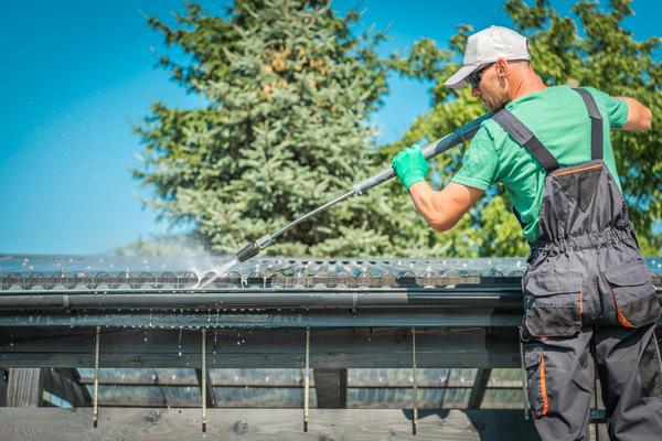 Gutter-Cleaners-Woodinville-WA